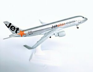 Jetstar-DIECAST-METAL-PLANE-AIRCRAFT-MODELS-ON-STAND-19cm-AEROCRAFT