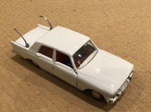 Triang-Spot-On-Cars-Ford-Zephyr-Six-No-309-from-1960-s-BBC-TV-Series-Z-Cars
