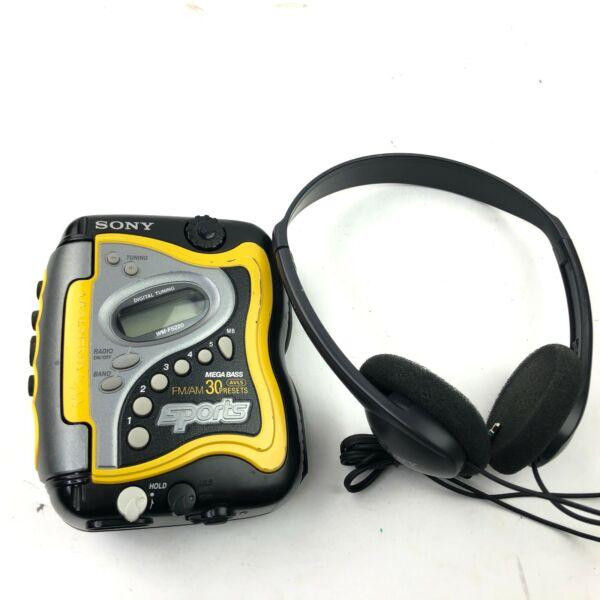 Actief Sony Sports Wm-fs220 Walkman Am/fm Cassette Mega Bass 30 Presets Mdr-101 Phones Kortingen Sale