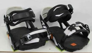 Now-Select-Snowboard-Bindings-Large-Black-and-White