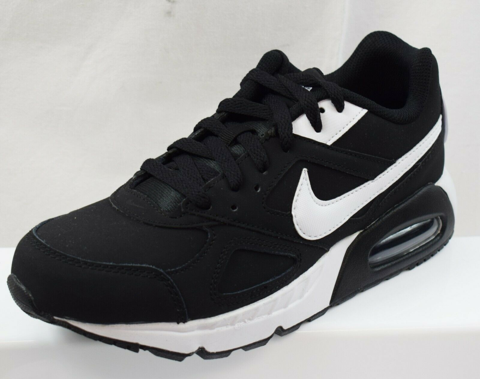 NIKE AIR MAX IVO LADIES TRAINERS BRAND NEW Größe UK 5 (BQ17