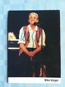 Original-unterschriebene-Autogrammkarte-von-Mike-Krueger-ungefaehr-1995