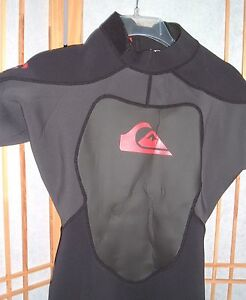 Wetsuit-Quiksilver-Men-039-s-M-50-Style-SA215MF-black-and-red