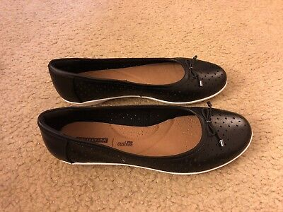 CLARKS Women/'s Gracelin Lea Ballet Flat