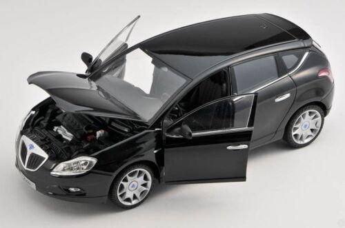 black 1:24 Welly Modell Auto NEU BLITZ VERSAND Lancia Delta ab 2008 schwarz