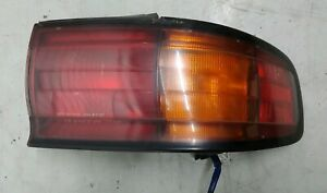 92-93-94-Toyota-Camry-Right-Taillight-Assembly
