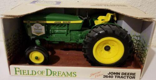 1//16 Ertl John Deere 2640 Field of Dreams Tractor