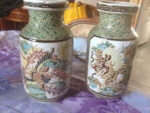 Vases-chinois-decor-dragon