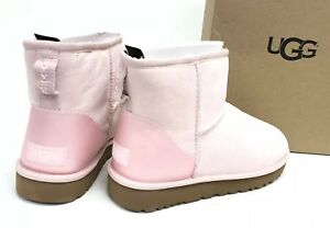 5bbeda36184 Details about UGG Australia CLASSIC MINI II METALLIC Sheepskin BOOT 1019029  Seashell Pink Sued