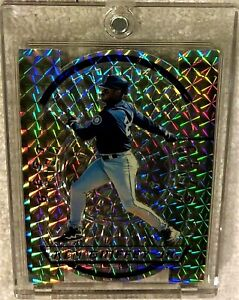 KEN-GRIFFEY-JR-1996-BOWMAN-039-S-BEST-CUTS-ATOMIC-REFRACTOR-1-VERY-RARE-MARINERS
