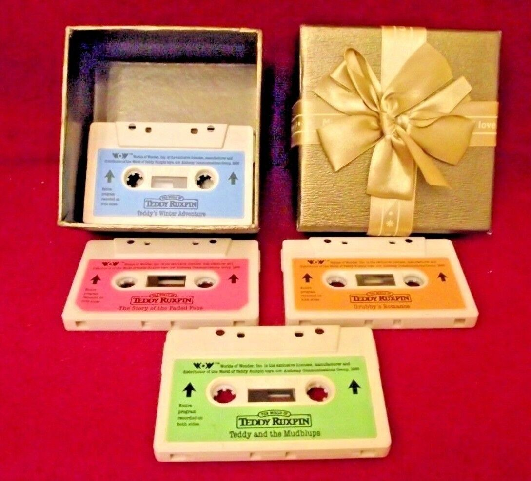 Teddy Ruxpin bear tape cassette 1985  WOW x 4 with gift box