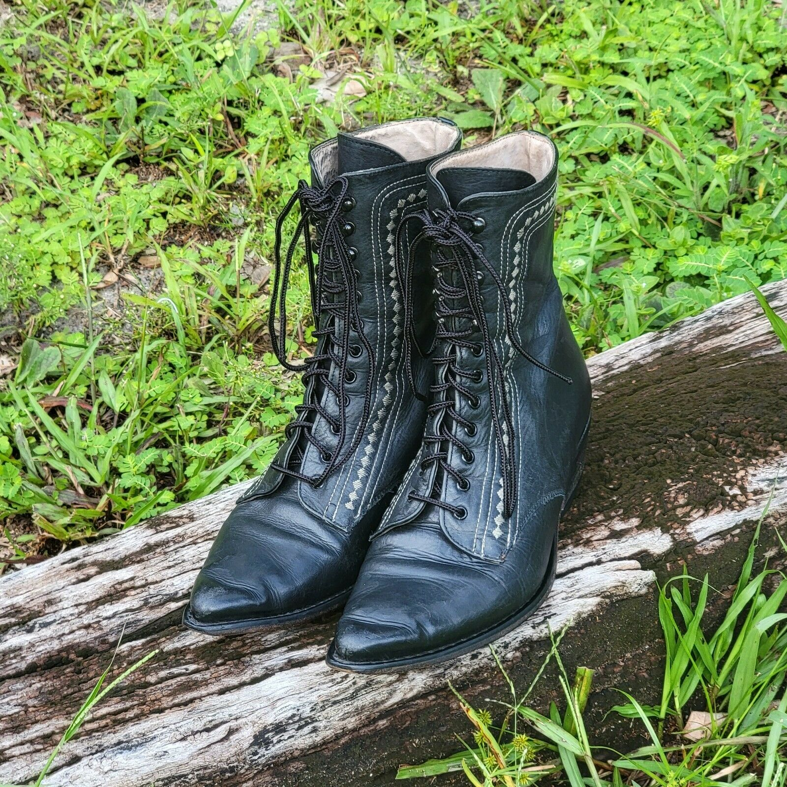 Vintage Guess Black Leather Lace Up Boots 7 80s 90s Cowboy Boho Embroidered Sz 7