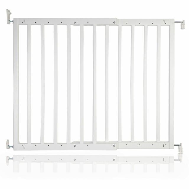Safetots Chunky Wooden Screw Fit Stair Gate Natural 63 5 To 105 5 Cm