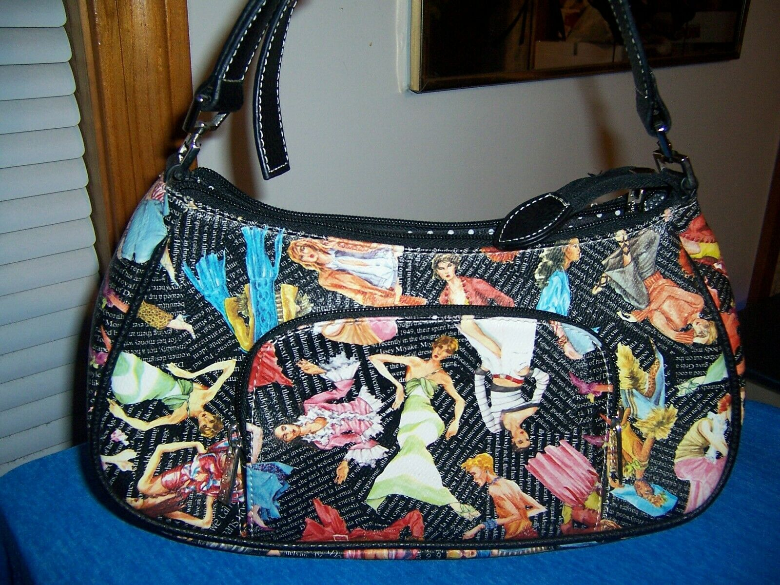 Sydney Love Graphic Handbag