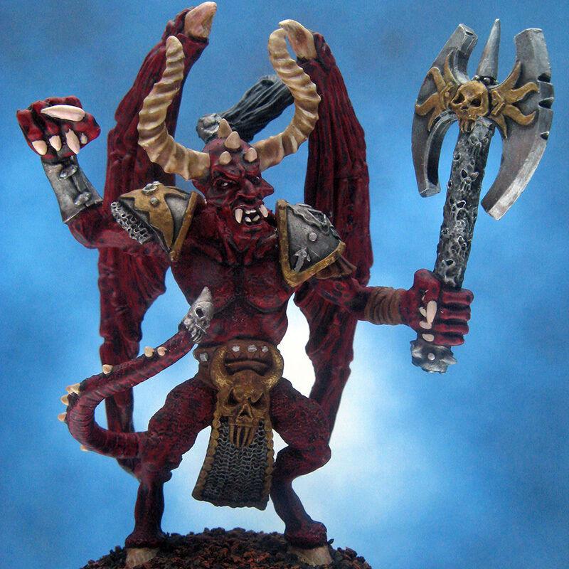 Liten demon med målad skördare