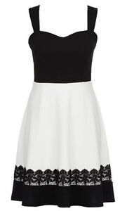 LADIES-SIZE-22-LOVELY-LACE-TRIM-PARTY-DRESS-NEW-WITH-TAG-FREE-POST