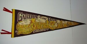 Large-30-034-Old-Vintage-1950s-GARDEN-OF-THE-GODS-COLORADO-USA-GRAPHIC-FELT-PENNANT