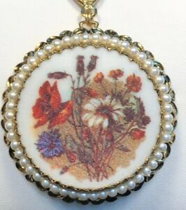Vintage Gold Micro Beaded Flower Pearl Cameo Pendant Necklace Made In Germany