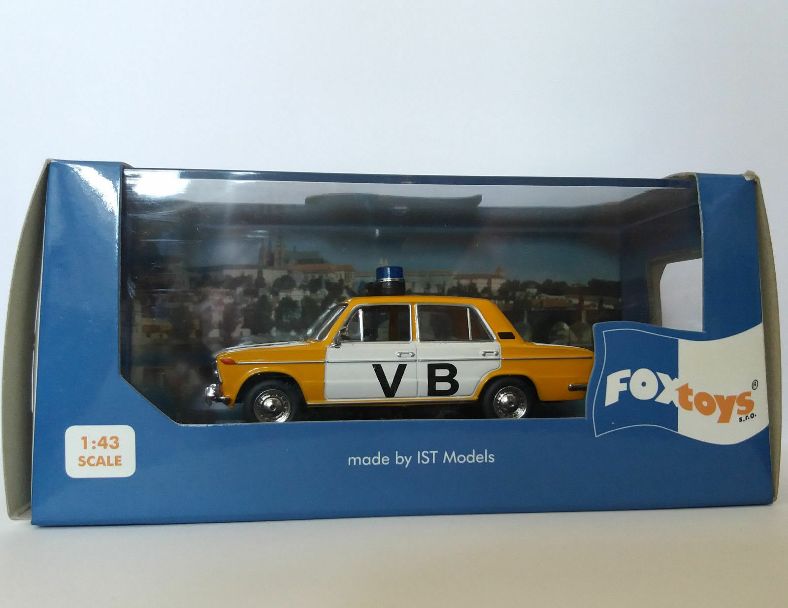 Lada vaz 2103 vb polizei praha 1980 ist foxtoys ixo 1   43 fox010