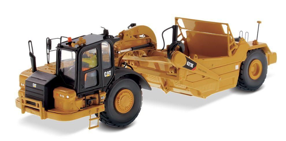 DIECAST MASTERS 85920 1 50 SCALE CAT 621K WHEELED TRACTOR SCRAPER (MIB)