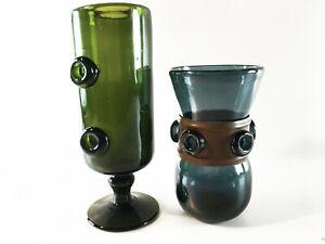 Muranoglas ? Duo, Weinkelche mundgeblasen mit Abriß grün, blau mit Knöpfen, 60er