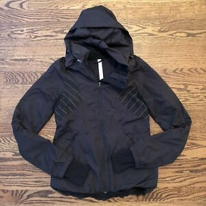 Lululemon-Run-Hustle-Jacket-Black-Reflective-Stripe-Size-4