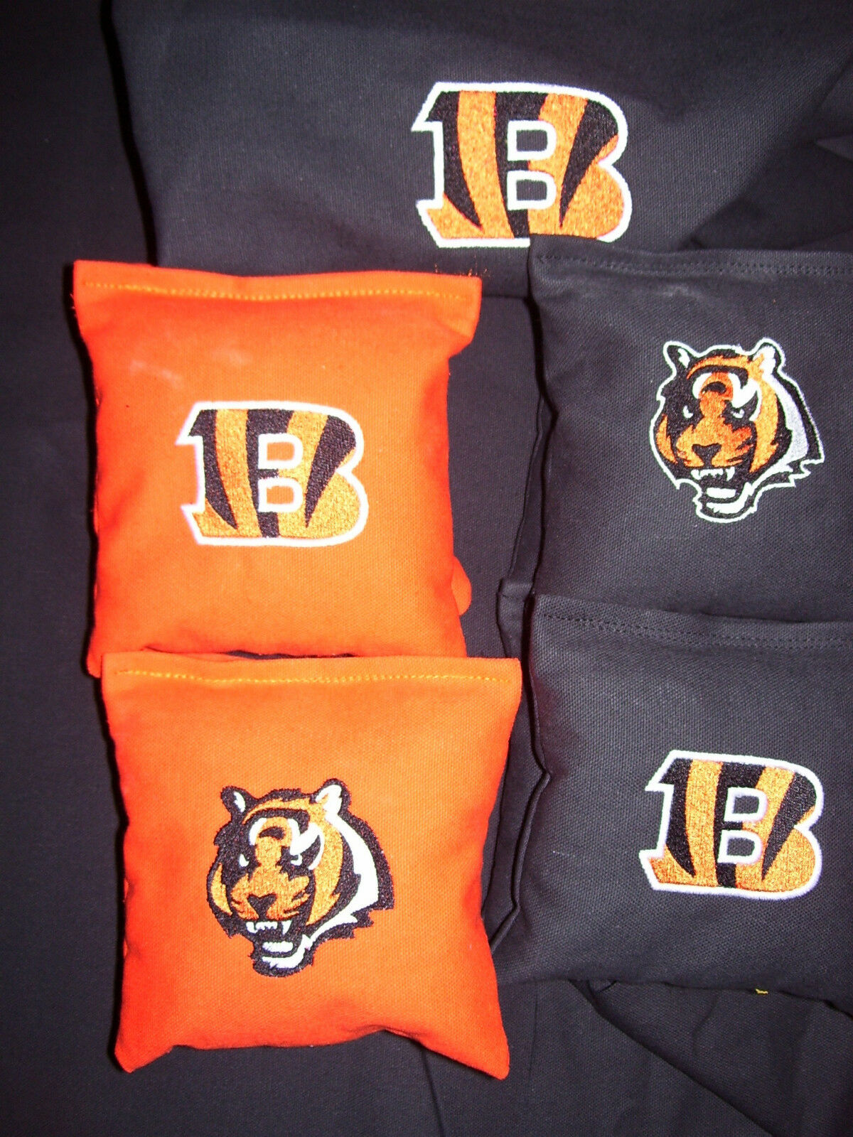Cincinnati Bengals Embroidered Cornhole corn hole set of 8 Bags W Storage Bag
