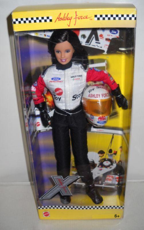Nuevo en Caja Ashley Force Drag Racing Muñeca Barbie ()