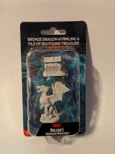 Nolzur/'s Marvelous Miniatures D/&D Unpainted Bronze Dragon Wyrmling /& Treasure