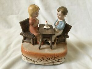 Vintage-Sankyo-Japan-Praying-at-Table-Wind-up-Music-Box-Musical-Bless-This-House