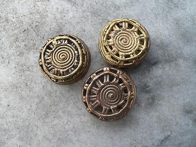 3 Stück flache Perlen Messing 32 mm Rechteck Bogenrand Ghana Ashanti Gelbguss