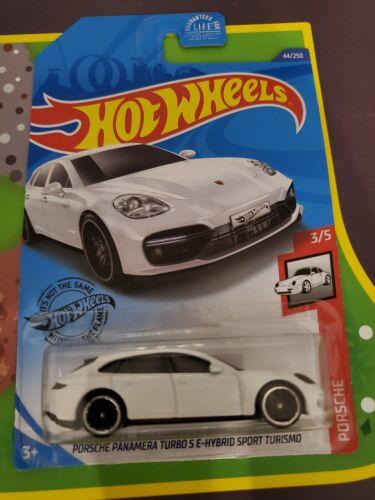 Hot Wheels Porsche Panamera Turbo S E-Hybrid Sport Turismo #44 WHITE 1:64 NIP