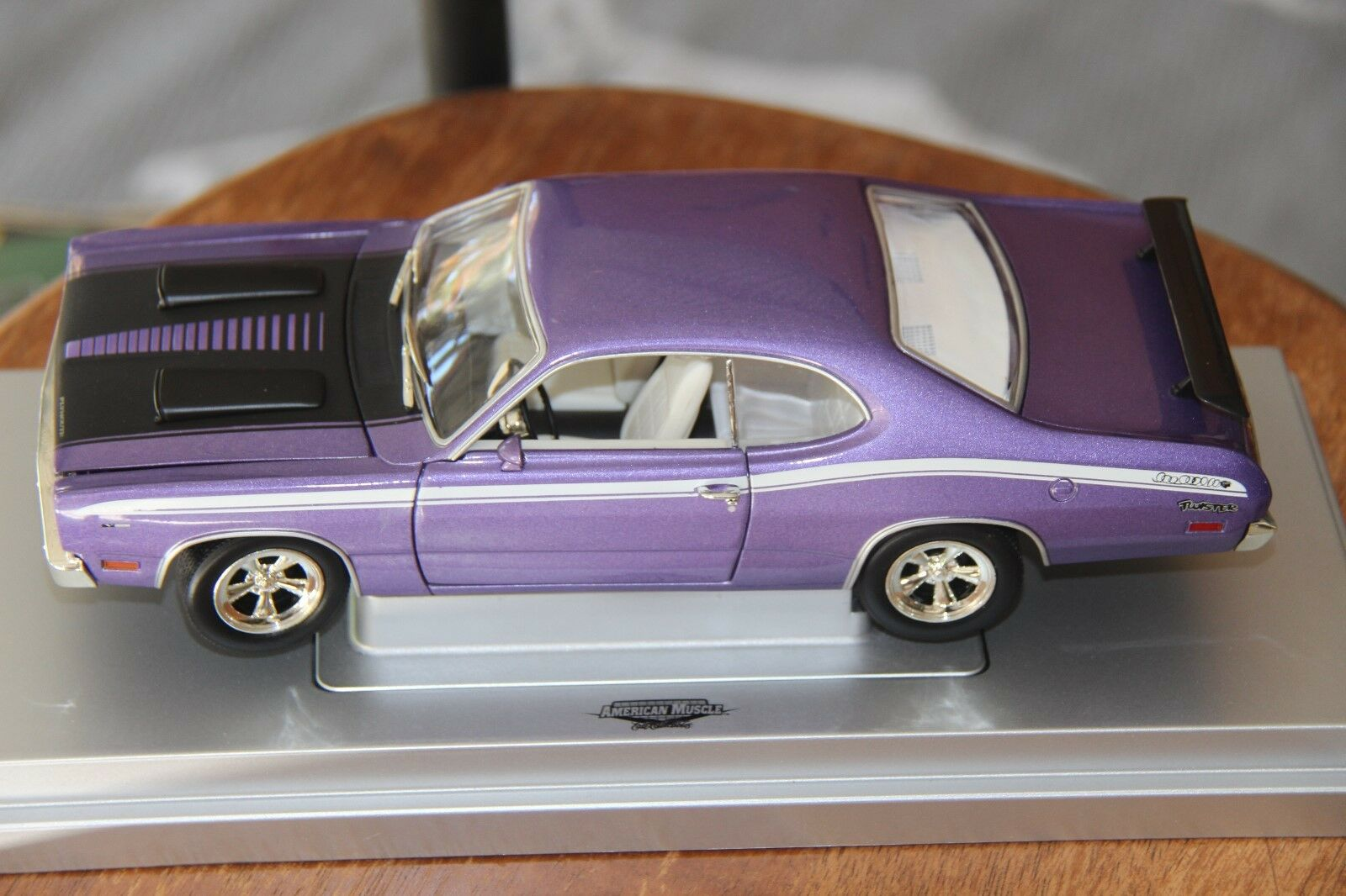 Plymouth Duster 1971, Purple, ERTL American Muscle, 1 18, New, Rare.