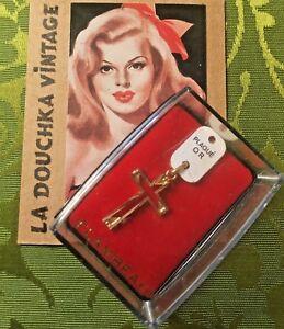 """FRENCH 1950s CHRISTIAN CROSS CHARM PENDANT~14K GP & HALLMARK~MADE IN FRANCE~NEW - France - État : Occasion : Objet ayant été utilisé. Consulter la description du vendeur pour avoir plus de détails sur les éventuelles imperfections. Commentaires du vendeur : """"PERFECT NEW IN BOX CONDITION - AUTHENTIC ORIGINAL VINTAGE - MADE IN FR - France"""