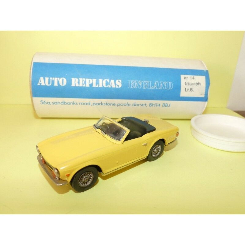 TRIUMPH TR6 yellow KIT AUTO REPLICAS Type BROOKLIN 1 43