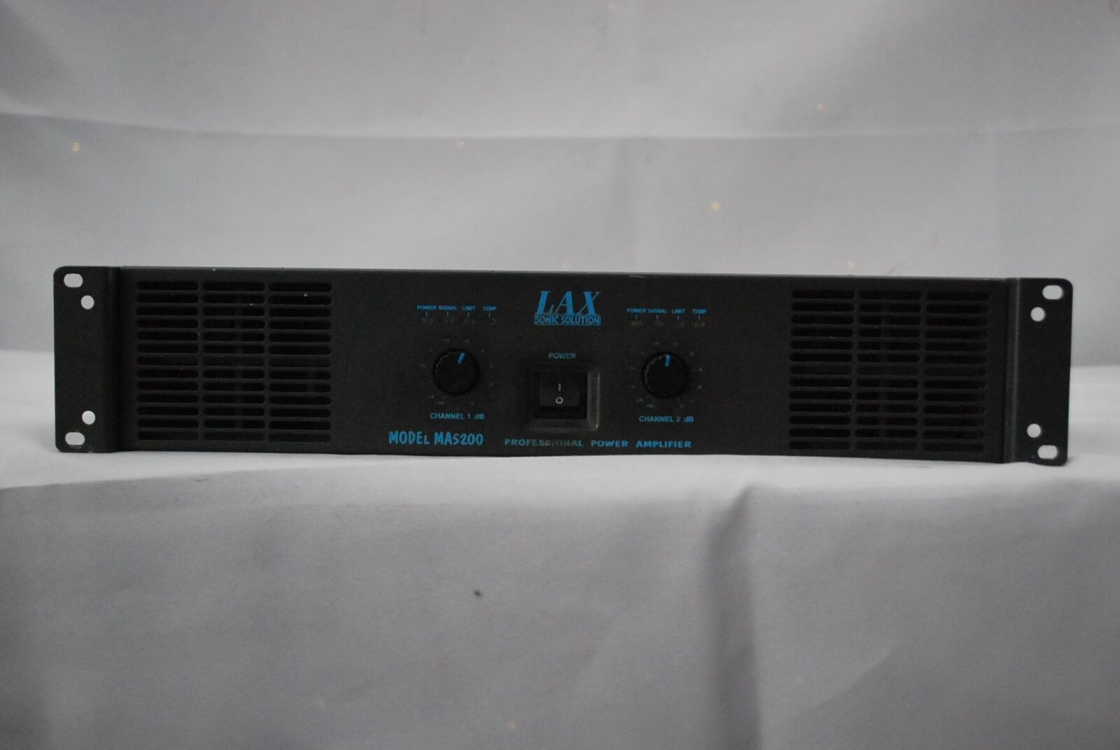 Sonic Solutions LAX MA5200 Power Amplifier Amp 500 Watts Used