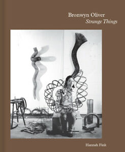 NEW BOOK Bronwyn Oliver - Strange Things by Hannah Fink (2017)