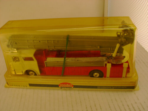 MODEL POWER PLAYART 148 SCALE RED WWHITE CAB MACK BUCKET FIRE ENGINE TRUCK NEW