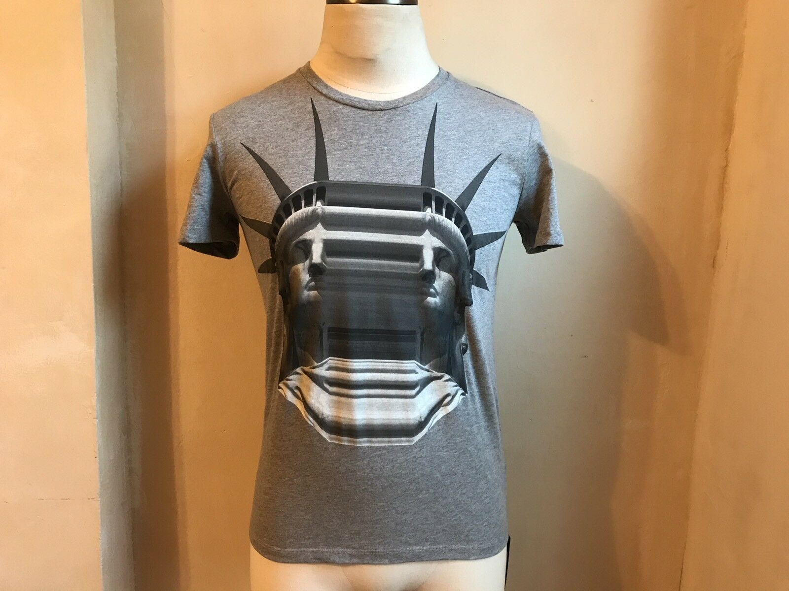 NEIL BARRETT COOL GREY STRETCHED LIBERTY STATUE SERIES N.01 MARBLE T SHIRT S XS