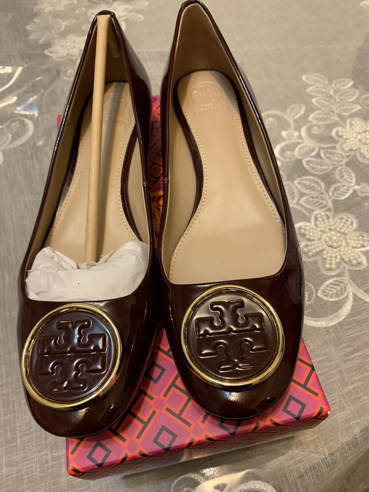 Tory Burch Twiggie Pump In Burgund Patent Leather  Sz 7.5  fantastica qualità