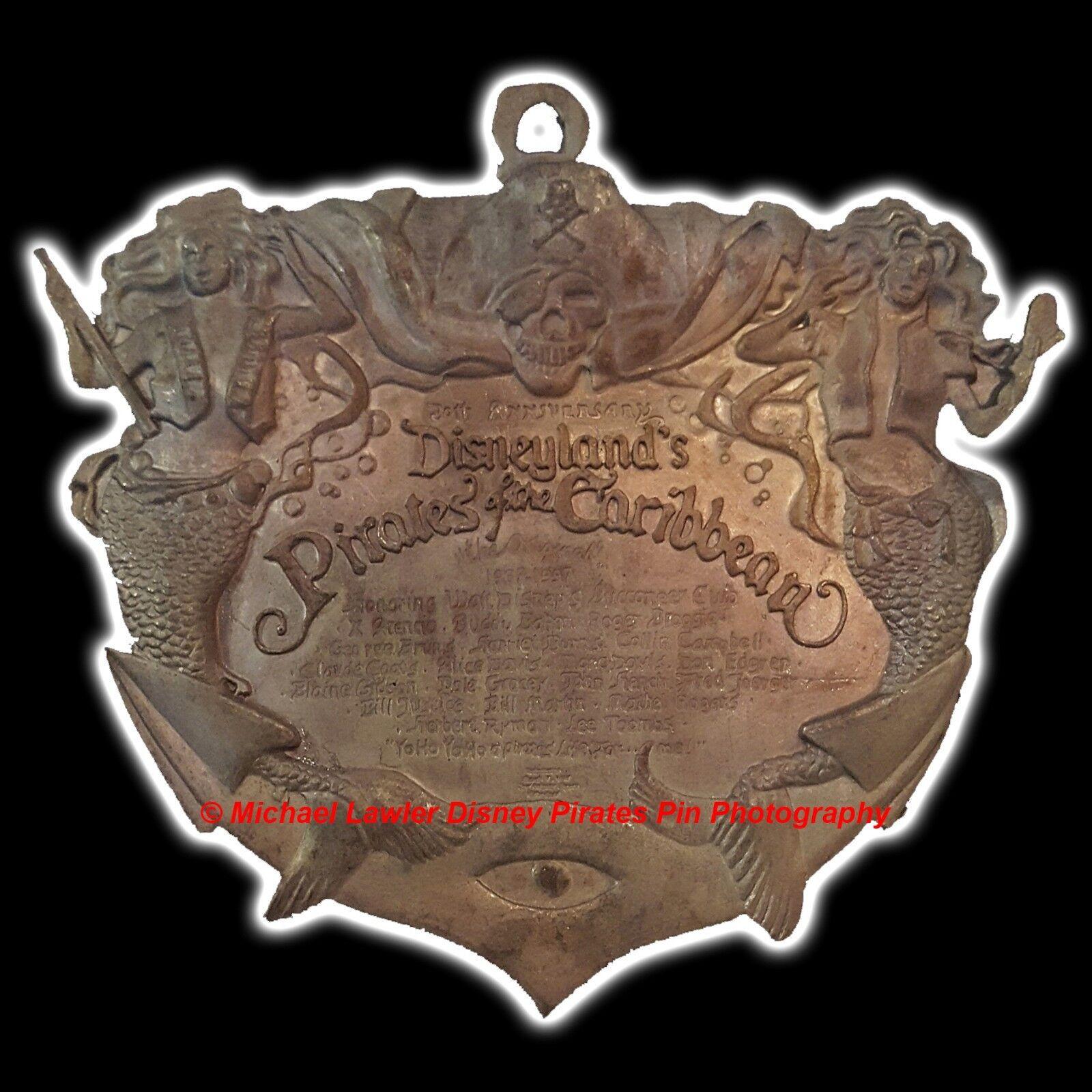 Contemporary 1968 now disneyana collectibles disney disneylands pirates of the caribbean plaque box pin reviewsmspy