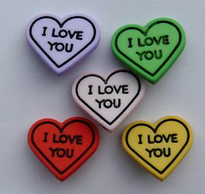 10 x nouveau assorted love coeur boutons polyester 2 chaque rose rouge citron lilas vert