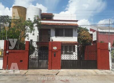 Casa en Venta ESTILO MEXICANO de 4 Recámaras, 3 Niveles, Piscina en Supermanzana 20, Centro Cancún.