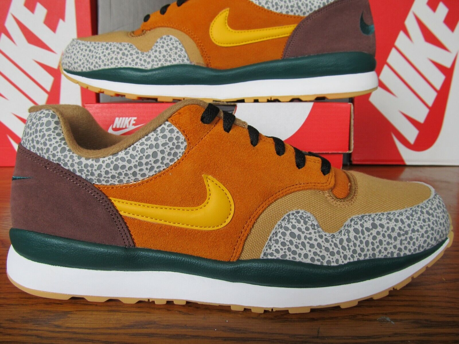 DS Nike Air Safari SE Monarch Yellow Ochre Flax Mahogany Mink 12 AO3298 800 90 1