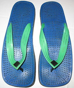 """TOTES - RUBBER BLUE & GREEN FLIP FLOP SANDALS - M/L  10"""" FROM TIP TO TIP"""