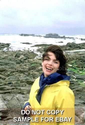 Exclusive Unpublished PHOTO Ref 714 Mireille Mathieu