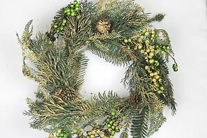 GISELA-GRAHAM-CHRISTMAS-GOLD-GLITTER-GREEN-BERRY-CONE-FIR-WREATH-50cm