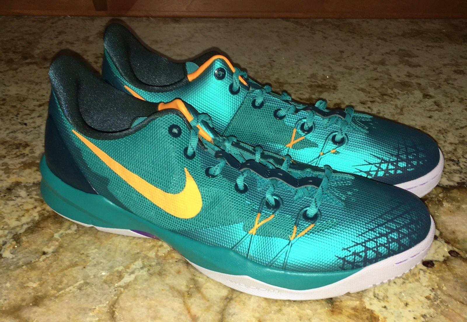 NIKE Kobe Venomenon 4 Low Turbo Green Basketball shoes Sneakers NEW Mens Sz 13
