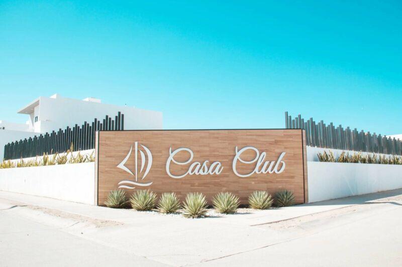 CASA EN VENTA EN PRIVADA RESIDENCIAL CON CASA CLUB EN LA PAZ BCS