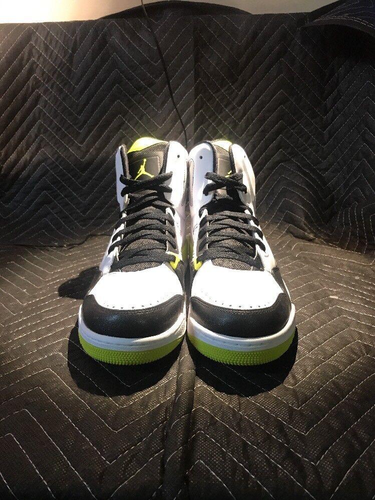 Nike Air Jordan SC-3 White/Venom Green-Black 629877-132 Men's SZ 10.5